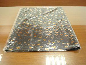70cm×100cm 25枚を同梱。各バンドルは50 * 70cにソフトに折りたたまれ、ポリバッグに詰められます