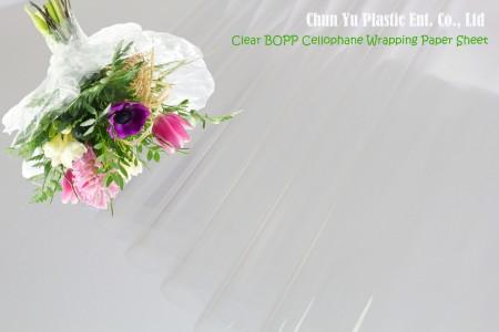Transparentes BOPP Cellophan Wrapping Paper Blatt - Schnittblumenstrauß mit durchsichtigem Zellophanpapier umwickelt