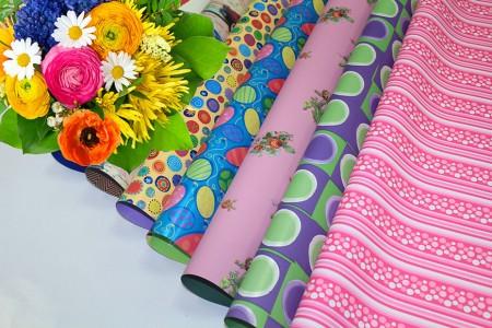 PP sintético com design impresso para embrulho de flores e embrulho para presentes (embrulho de pérolas) - Flor perolizada impressa e embrulho para presente em rolo e folha