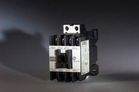 Shihlin Electric Relé de controle magnético