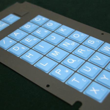 Frentes de policarbonato - Superposición antirrayas con botones en relieve.