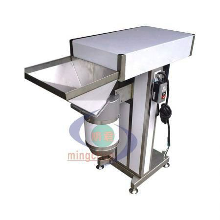 打泥打碎专用机 - 打碎机可以将各种食物打成小碎片状或泥状。