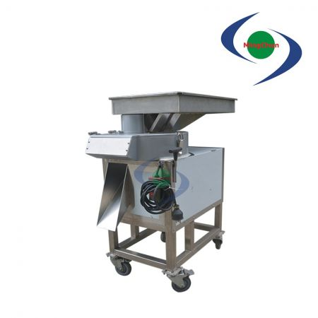 Vegetable Fruit Larger Dicing Machine DC 220V 380V 1HP - It can be used for cutting root vegetables into larger cubes in a short time.
