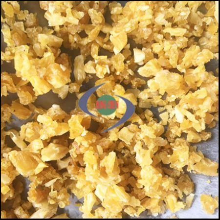细切机不但能针对肉类鱼类切滚成泥,也可以针对水果干粮、凤梨干切割成细颗粒。