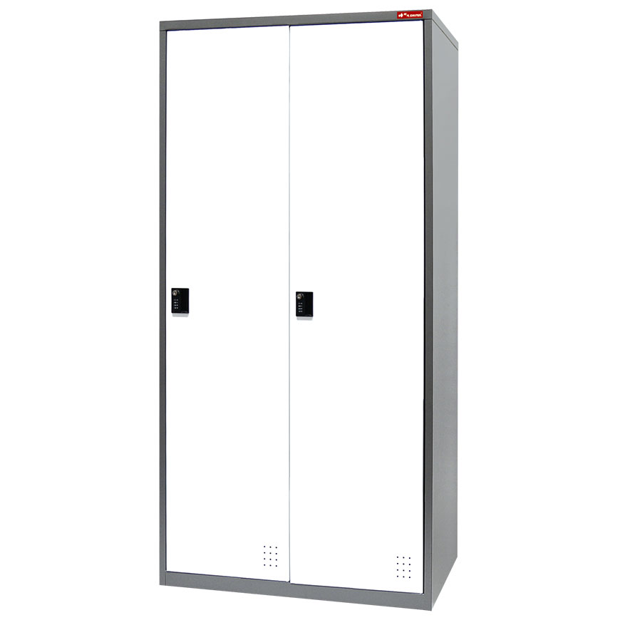 Work wear and personal belongings can be stored in these lockers.