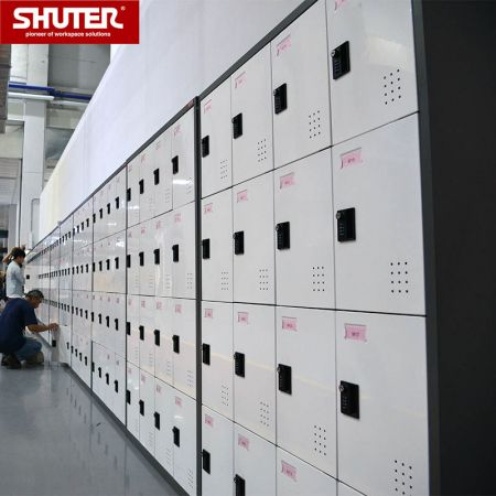 SHUTER steel cabinet with 16 compartments