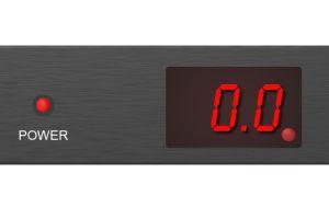 PDUの現在の負荷をリアルタイムで監視します。 3桁のLED流速計は、エンドユーザーまたはMISが消費電力ステータスと電流負荷を即座に取得するのに便利なリアルタイム情報を提供できます。 PDUの消費電力が電力設定の制限を超えると、内蔵の警告アラームにブザーが鳴ります。内蔵のアラームはビープ音を鳴らして、データセンターの人々とMISに消費電力が電力設定の制限を超えていることを警告します。過負荷時に警告音が鳴ったときに、デバイスをPDUから抜くか、ディスプレイのボタンを押すだけでブザーをミュートします。 PDUの消費電力ステータスを理解することは非常に簡単で、LED電流計を介して時間内に電力負荷を監視および管理し、デバイスの停電を回避できる信頼性の高い安全な電力情報を取得します。