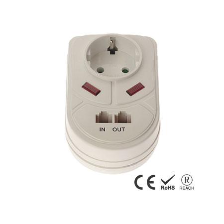 Geerdeter Wand-Überspannungsschutz mit Einzelsteckdose - Schuko-Steckdose mit Sicherheitsverschluss
