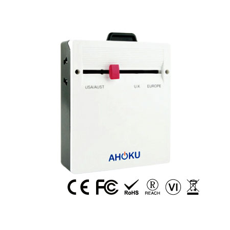 Тонкий универсальный дорожный адаптер с четырехпортовым зарядным устройством USB