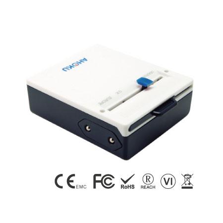 Универсальный дорожный адаптер Slim Type C с четырехпортовым зарядным устройством USB - Универсальный адаптер для путешествий Slim Type C, передняя сторона