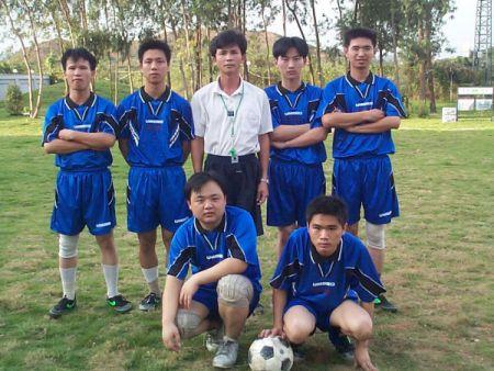 AHOKU东莞厂的男子足球队。
