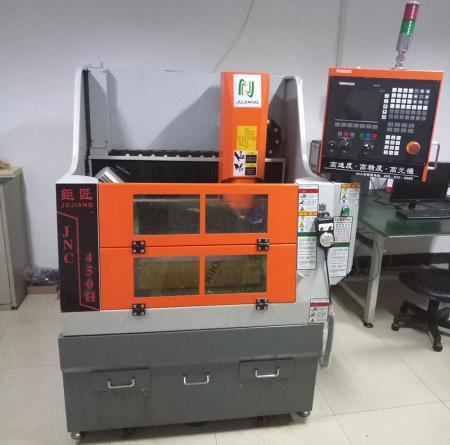 Иметь образец макета с ЧПУ для тестирования и проверки перед изготовлением пресс-формы.