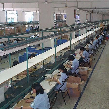 유연한 생산 배치를 위한 14개 이상의 조립 라인