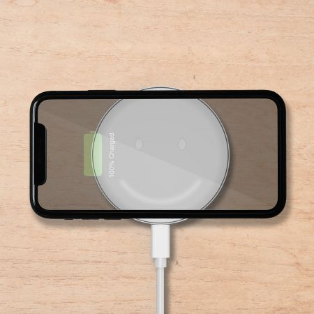 WPC Qi compatible wireless charger