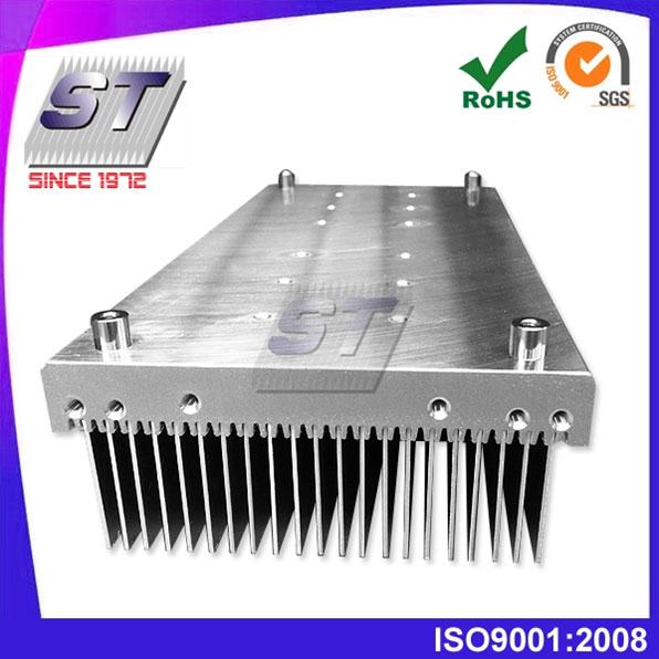 Dissipateur de chaleur en aluminium extrudé (largeur 100 ~ 200 mm)