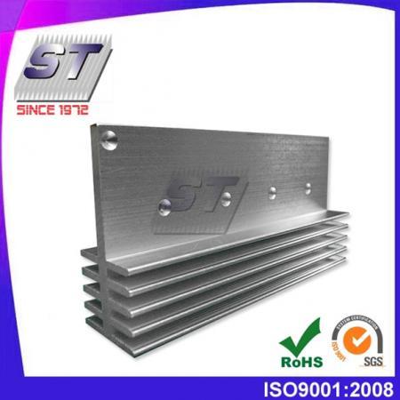 Aluminium koellichaam voor de motorindustrie 47,65 mm × 22,6 mm