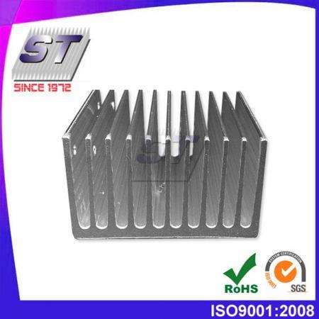 W53.5mm × H32.0mm 鰭式散熱片