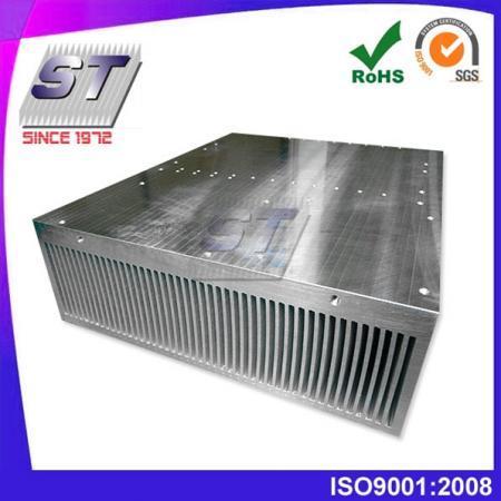 W465.0mm × H113.0mm 鋁製壓合式散熱片-大型散熱設備