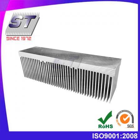 Алюминиевый экструдированный радиатор - средний размер
