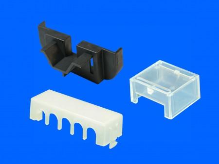 Cubierta de terminal de plástico