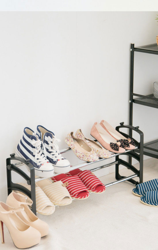 This stackable, freestanding shoe rack holds up to 12 pairs of shoes