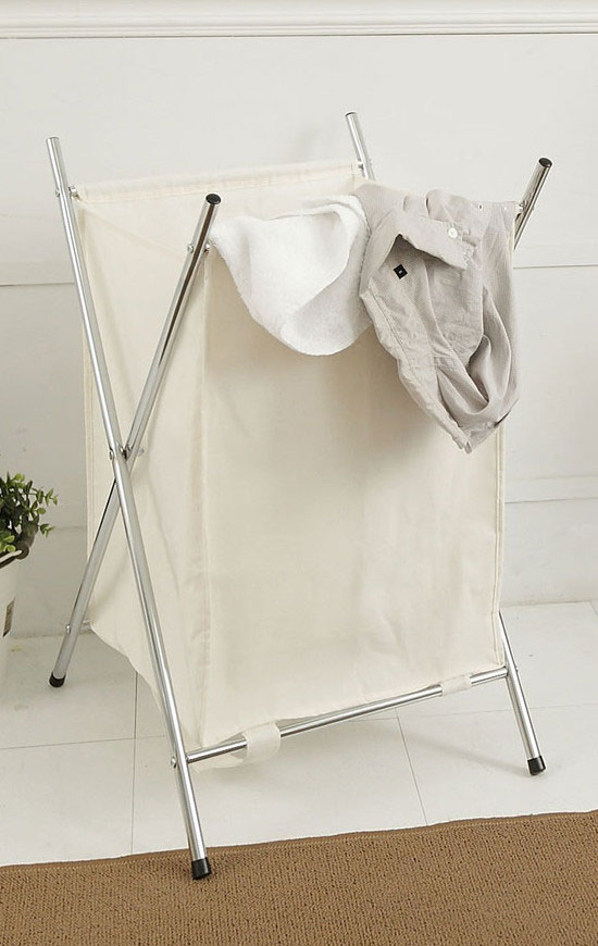 A stylish laundry solution, this chrome folding hamper have one compartment to make sorting laundry a breeze