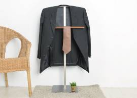 Suit Stand