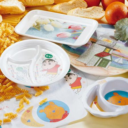 メラミントレイと皿の装飾紙