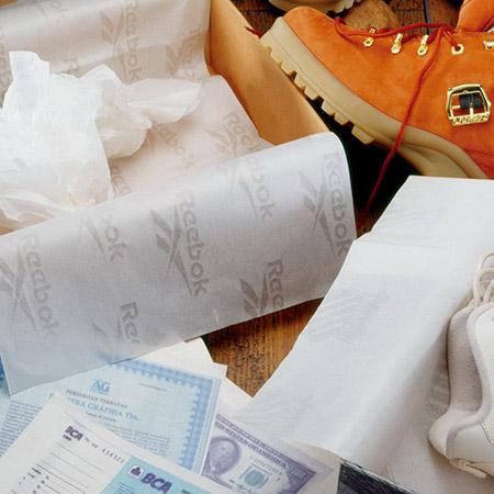 Carta filigranata per documenti, scarpe e confezionamento di vestiti