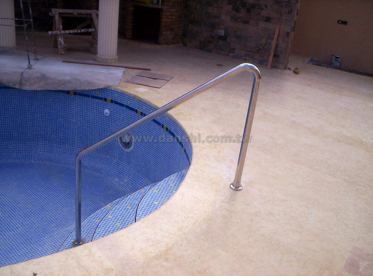 Handrail and Balusters Story for Pisina