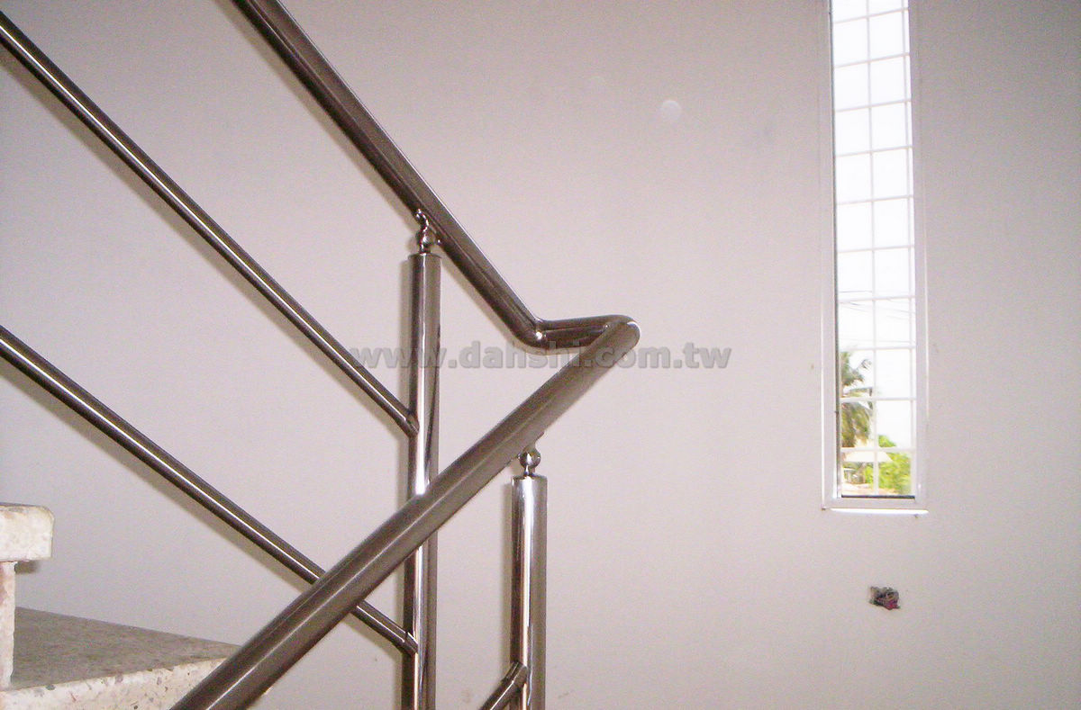 Handrail and Balusters Story for Vzla Maritimo