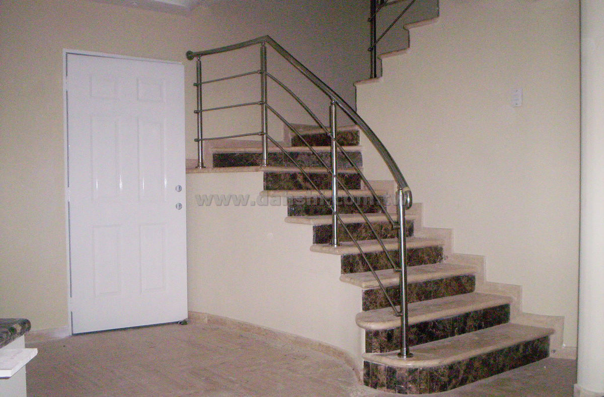 Handrail and Balusters Story for Gustavo Nava