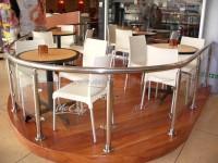Caifé Mc - Scéal Ráille Láimhe agus Balusters do Mc Cafe