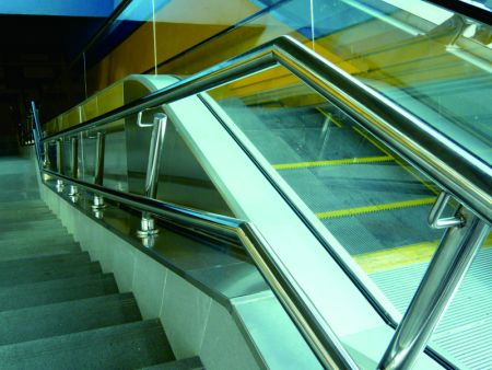 Stainless Steel Balustrade Base in Metro Station Centro de los Heroes