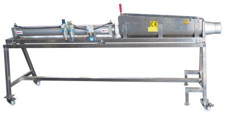 Riempitrice per Carni Ristrutturate - Riempitrice per carne DH908