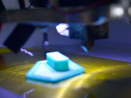 Acorte el tiempo de entrega con la impresora 3D.