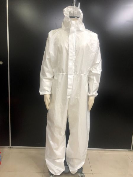Self-developed isolation gown