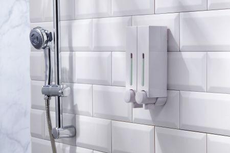 日式簡約壁掛式給皂機