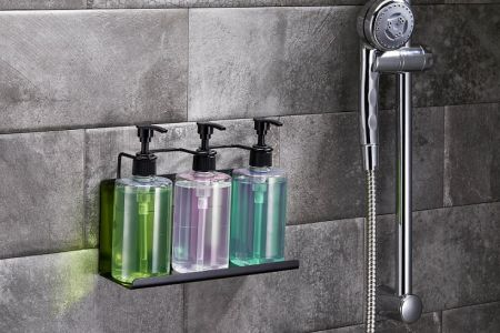 Triple Bottle Holder Black para Champú y Gel de Ducha