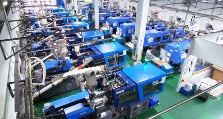 Fröccsöntés (havi gyártási kapacitás: 300 millió db)
