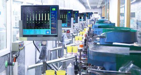Csapbeszúró gép (havi gyártási kapacitás: 30 millió db)