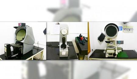 Függőleges és vízszintes projektor