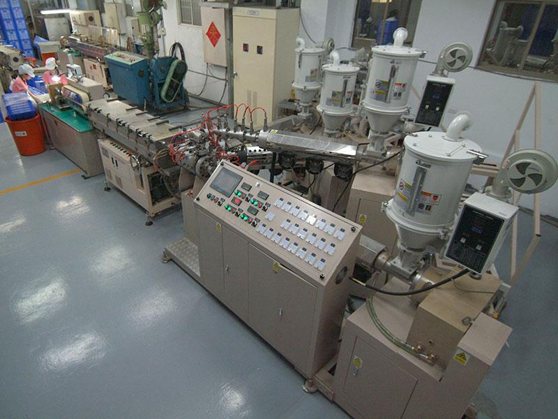 I.TA adalah produsen pabrik langsung tabung pemerasan berkualitas tinggi.