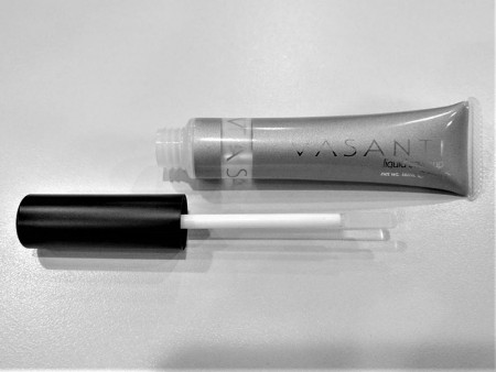 Lip Gloss Tube PE Container with Silicon Applicator - Lip gloss tube with silicon applicator.