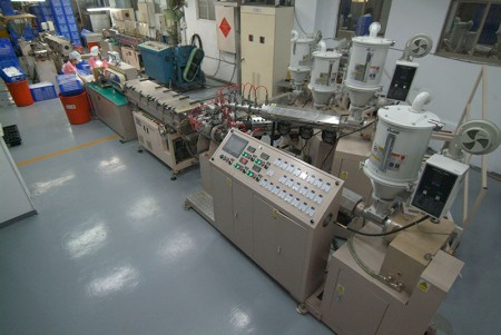 EVOH Five Layers extruded machine.