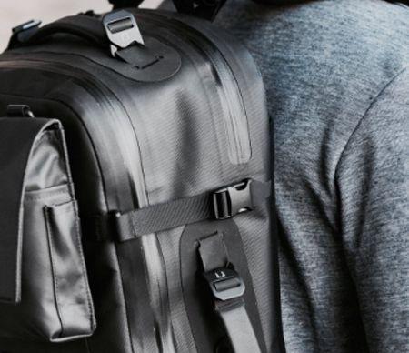 Compression straps for backpacks