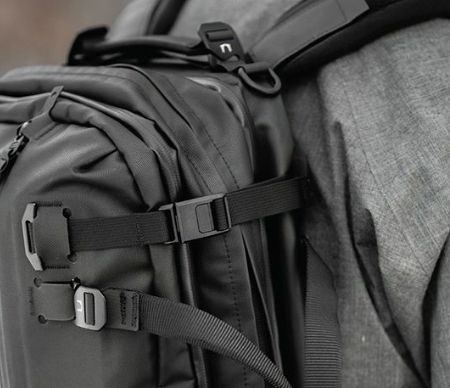 Compression straps for backpacks