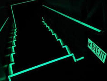 発光テープの反射アクセサリー。
