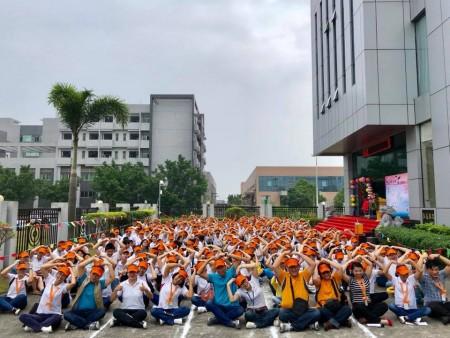 中国朱海工場の従業員