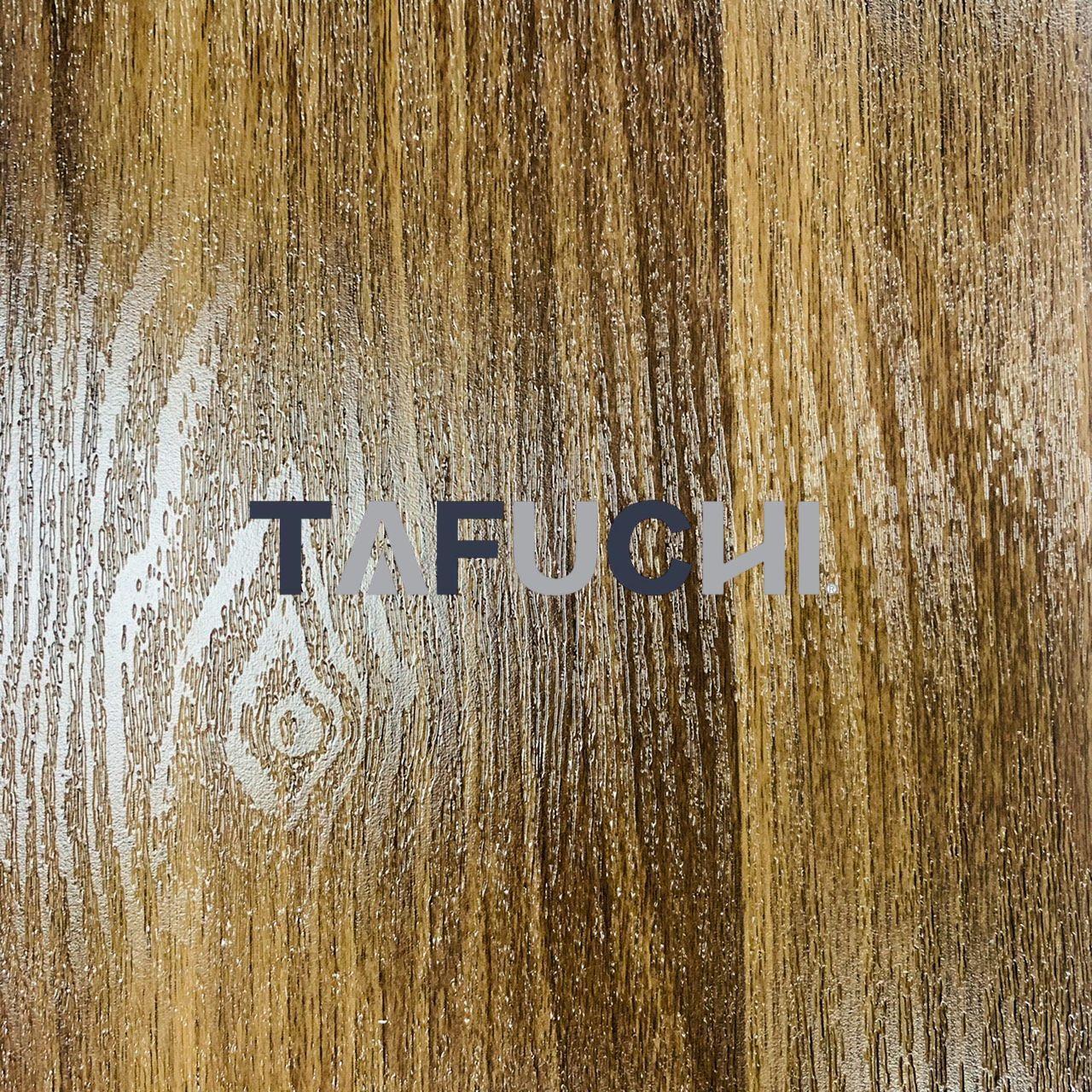木紋PVC吸塑板 - 我們可以提供木紋門。